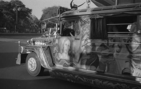 Une décoration de jeepney